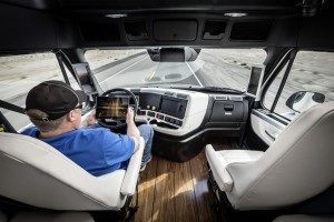autonomefahrender-LKW-Daimler